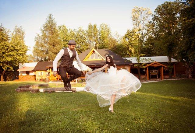 Luftsprung Hochzeit