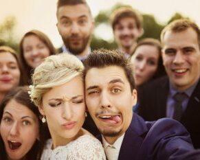 Brautpaar & Gäste Selfie