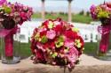 Schöner Brautstrauß und Blumen Brautjungfern