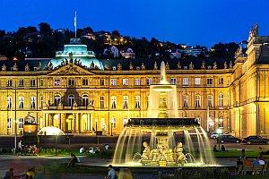 Neues Schloß Stuttgart bei Nacht