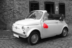 Süßes Auto für Hochzeit