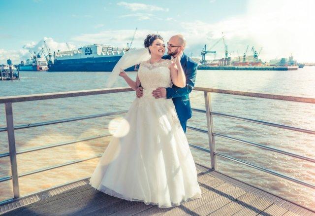 Brautpaar an der Alster in HH