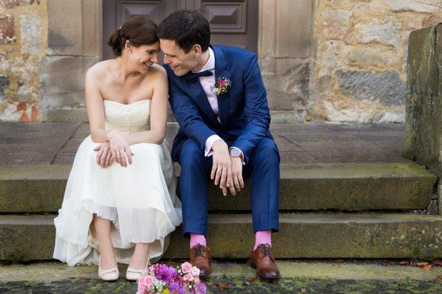 Brautpaar beim Posing für Hochzeitsfotos